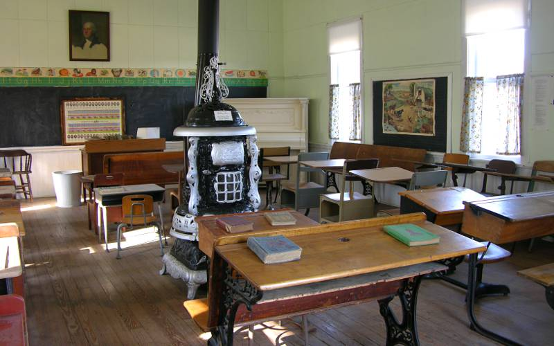 1881 one room schoolhouse