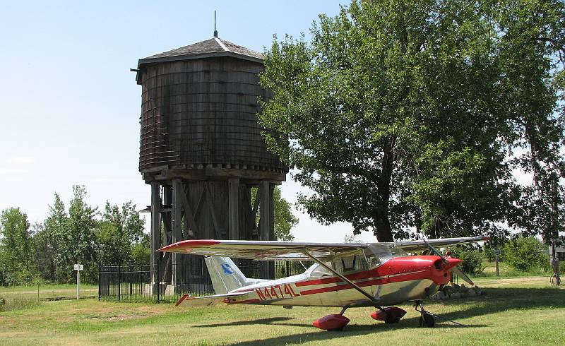 wooden Frisco water tower - Beaumont, Kansas