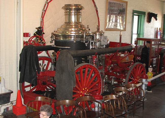 1902 American LaFrance Metropolitan steam powered pumper
