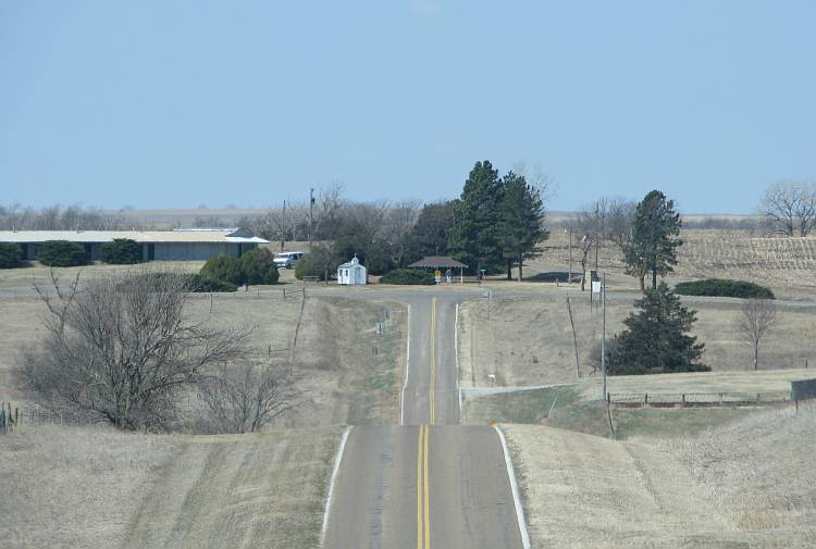T intersection at the end of K-191 Highway