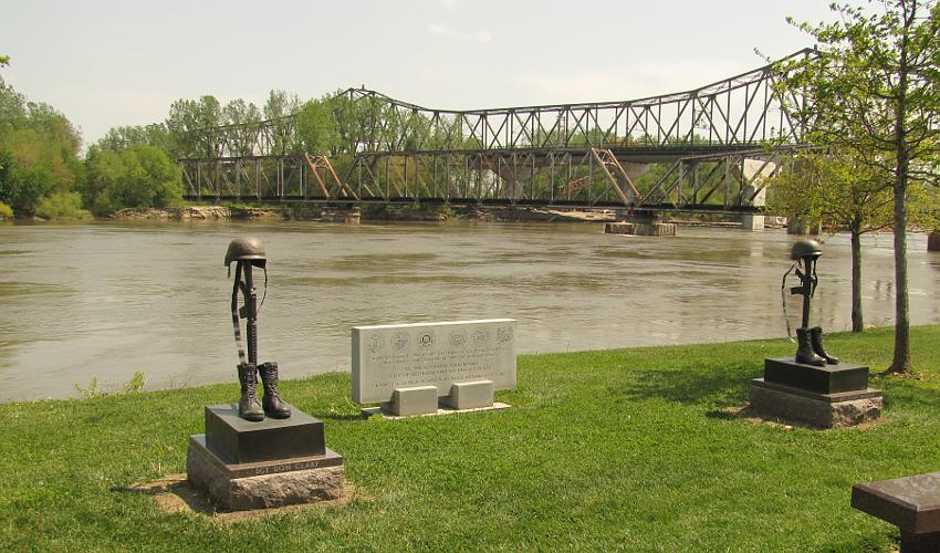 Amelia Earhart Memorial Bridge and Atchison Railroad Bridge