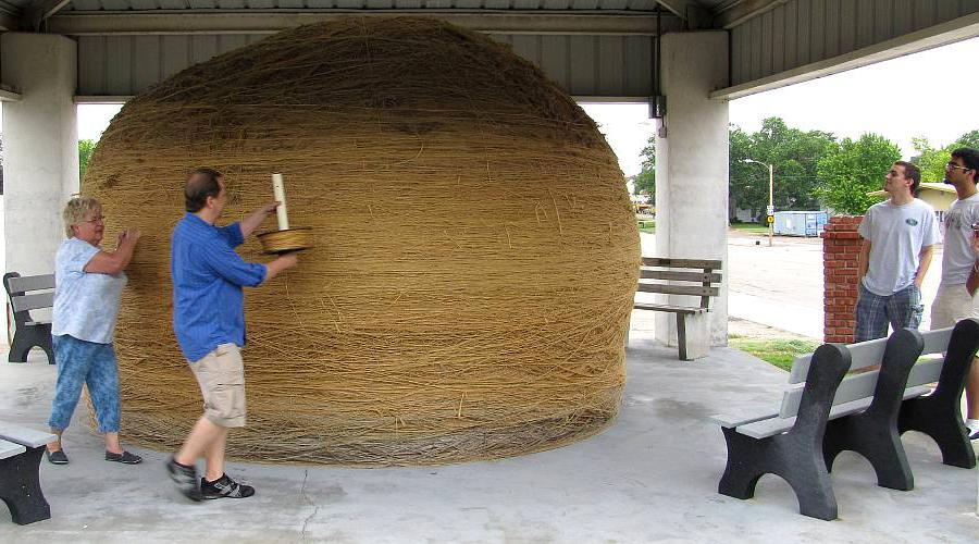 Adding twine to the WOrld's Largest Ball of Twine