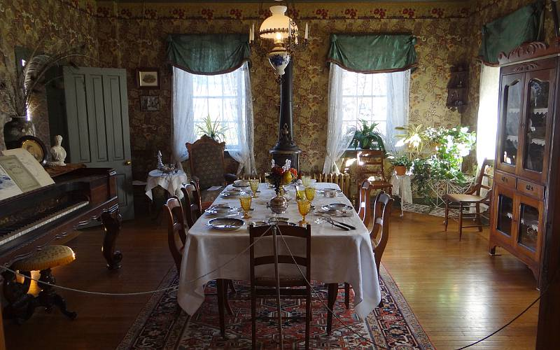 dining room at Wolf House Museum