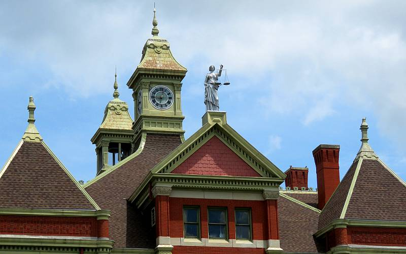 Statue of Justice on Franklin County Courthouse roof