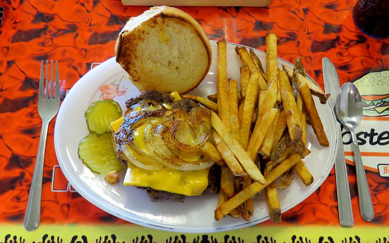 Great cheeseburger anf French fries