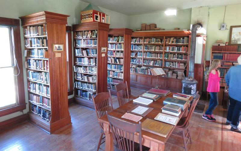 Coal Creek library stacks - Vinland, Kansas