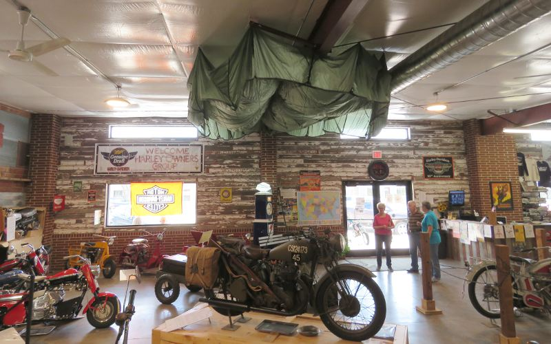 Cushman Military Airborne 53 - St. Francis Motorcycle Museum